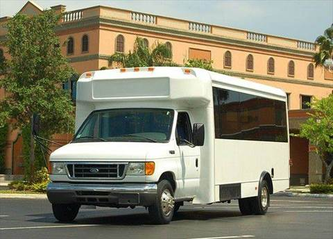 2004 Ford Glaval Universal 25 Passenger for sale in Fort Lauderdale FL