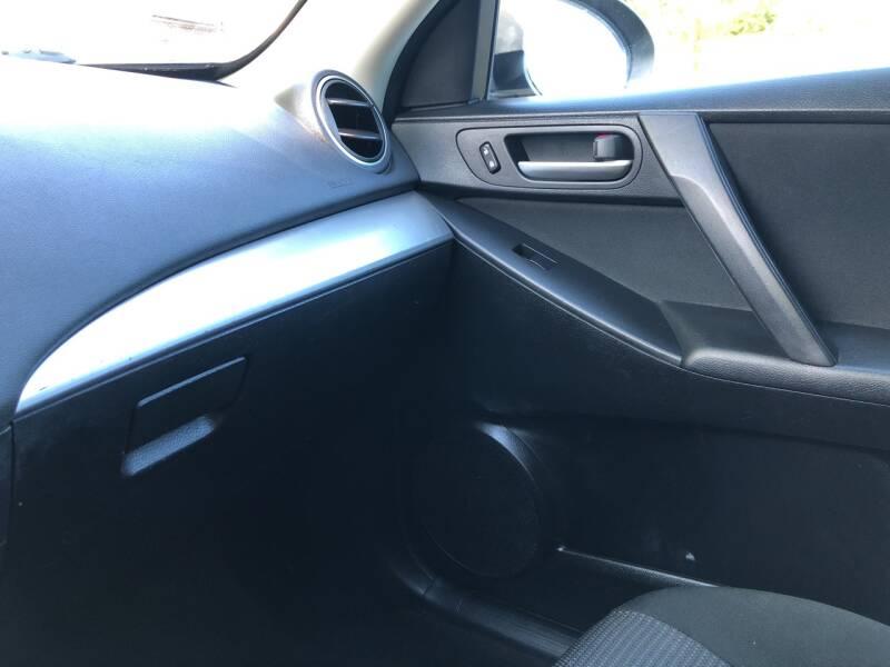 2013 Mazda MAZDA3 i Sport 4dr Sedan 6A - Derry NH
