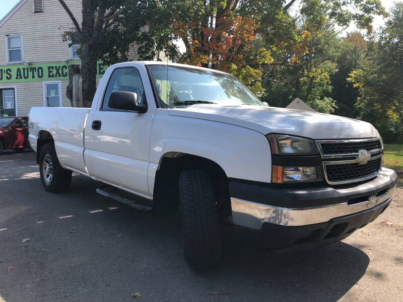 2006 Chevrolet Silverado 1500 LS 2dr Regular Cab 4WD 8 ft. LB - Derry NH