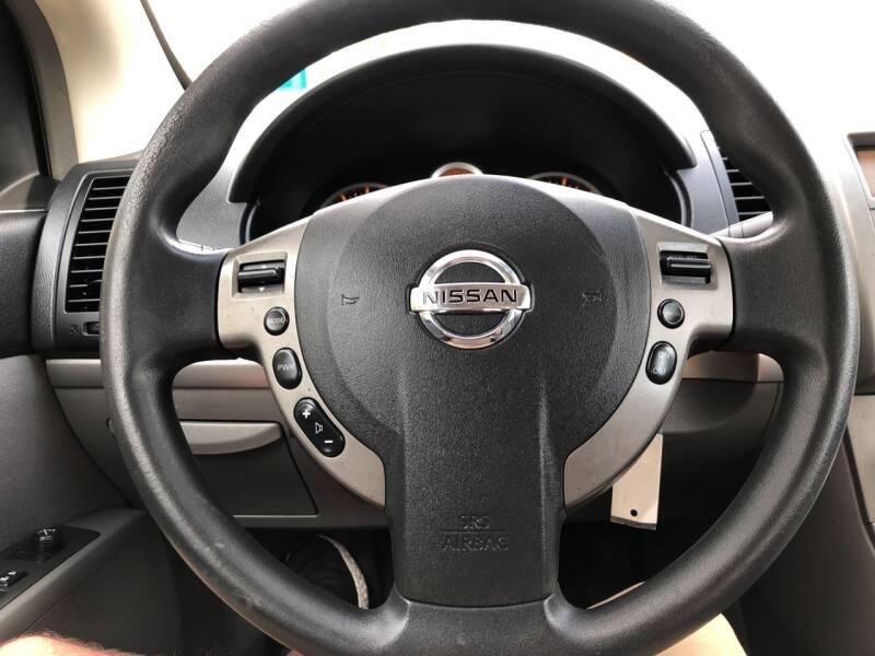 2009 Nissan Sentra 2.0 S 4dr Sedan 6M - Derry NH