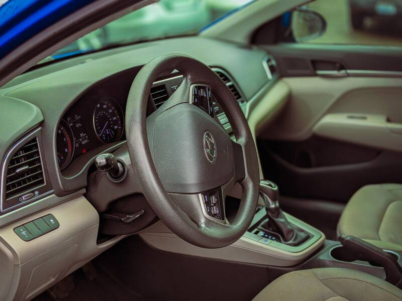 2017 Hyundai Elantra SE 4dr Sedan 6A - Seattle WA