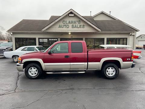 2004 GMC Sierra 1500 for sale at Clarks Auto Sales in Middletown OH
