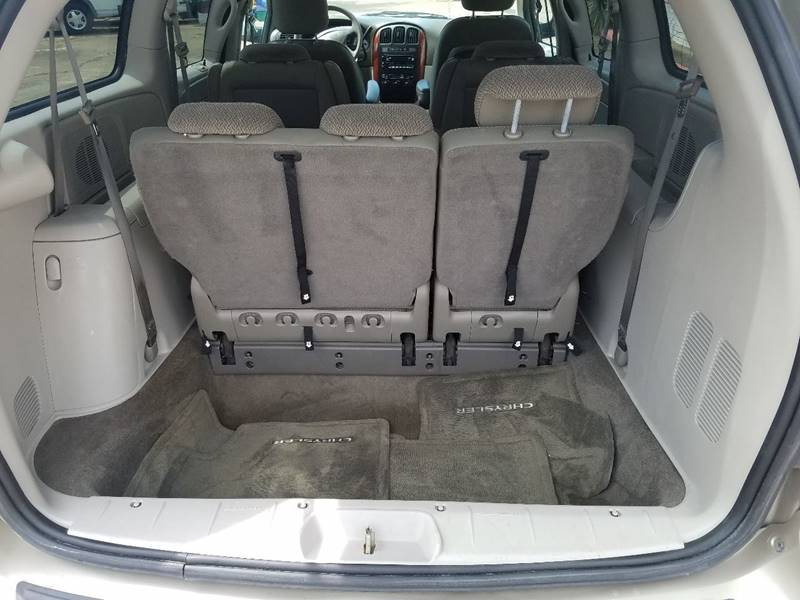 2007 Chrysler Town and Country for sale at One Stop Car Sales in Houston TX