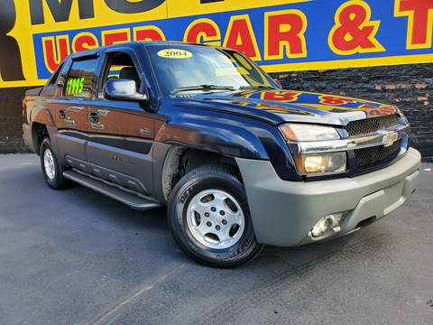 2004 Chevrolet Avalanche for sale at B & R Motor Sales in Chicago IL