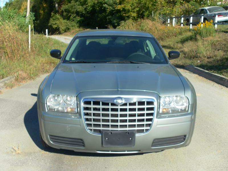 2006 Chrysler 300 4dr Sedan - Lenoir City TN