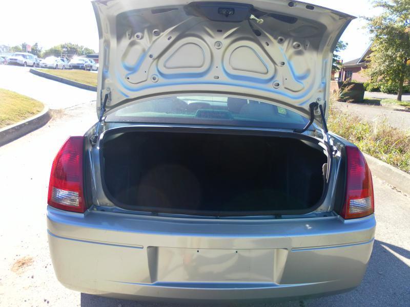 2006 Chrysler 300 4dr Sedan - Lenoir City TN