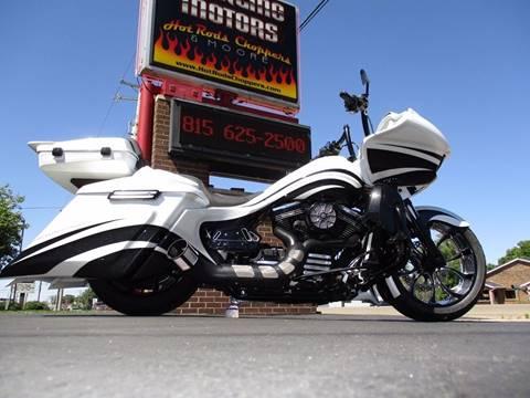 2015 Harley-Davidson Road Glide for sale in Sterling, IL