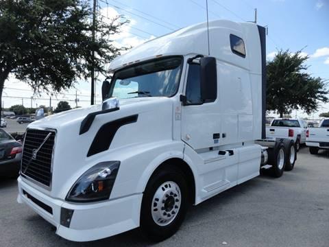 2013 Volvo VNL for sale in Dallas, TX