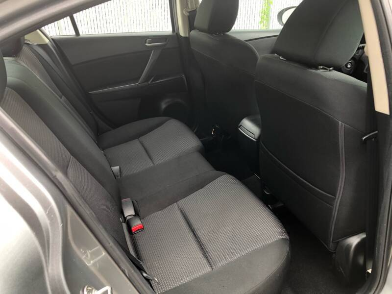 2013 Mazda MAZDA3 i Sport 4dr Sedan 6M - Roselle NJ