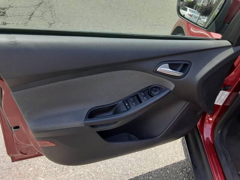 2013 Ford Focus SE 4dr Hatchback - Roselle NJ