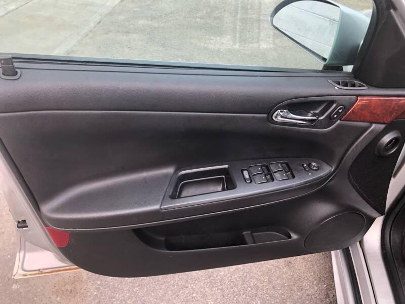2009 Chevrolet Impala LT 4dr Sedan - Roselle NJ
