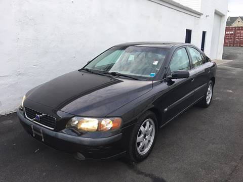 2004 Volvo S60 for sale at Pinnacle Automotive Group in Roselle NJ