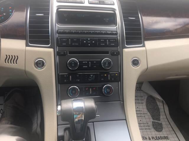 2010 Ford Taurus Limited 4dr Sedan - Dover FL