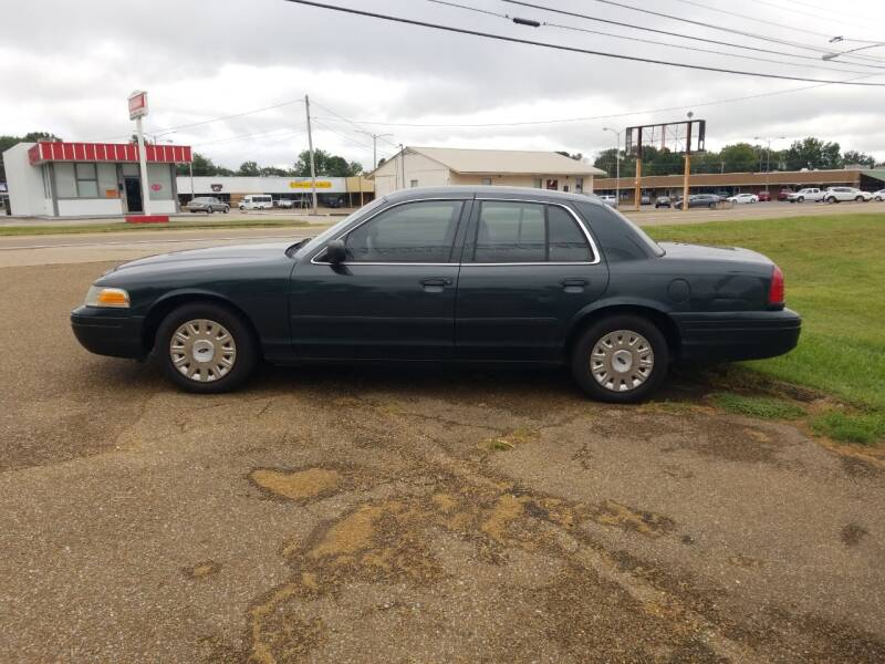 2003 Ford Crown Victoria Police Interceptor 4dr Sedan (3.27 Axle) w/Driver and Passenger Side Air Bags - Martin TN