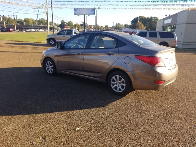 2013 Hyundai Accent GLS 4dr Sedan - Martin TN