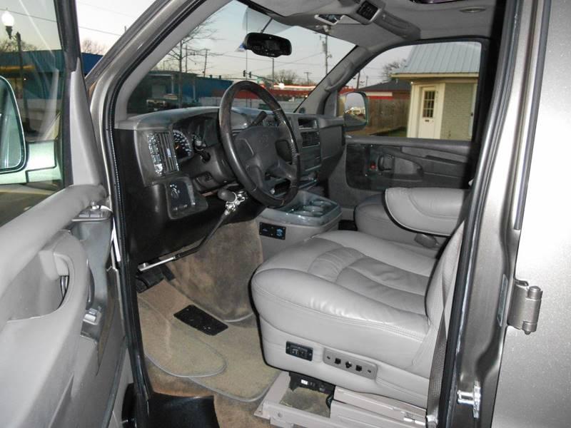 2007 Chevrolet Express Cargo 1500 (image 7)
