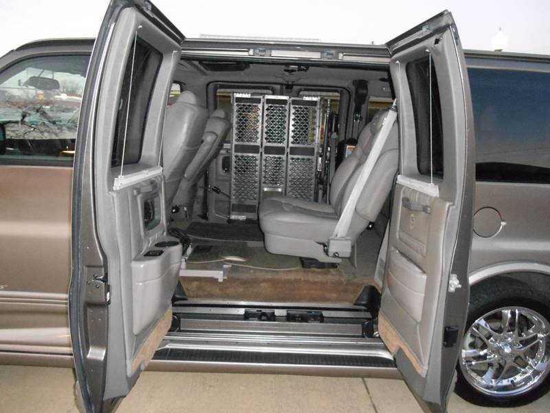 2007 Chevrolet Express Cargo 1500 (image 11)