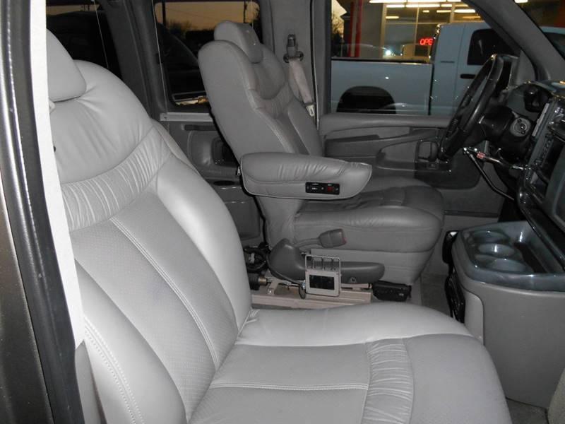 2007 Chevrolet Express Cargo 1500 (image 16)