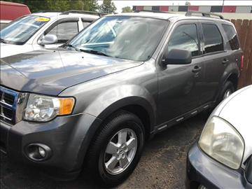 2009 Ford Escape for sale at SPRINGFIELD PRE-OWNED in Springfield IL