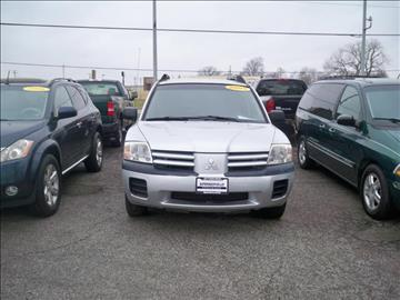 2005 Mitsubishi Endeavor for sale at SPRINGFIELD PRE-OWNED in Springfield IL