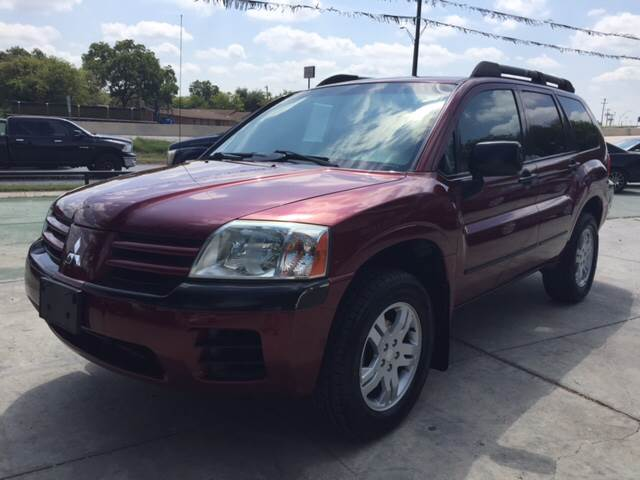 2004 Mitsubishi Endeavor for sale at Sanders Auto Solutions in San Antonio TX