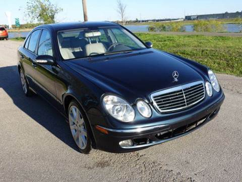 2005 Mercedes-Benz E-Class for sale at Universal Credit in Houston TX