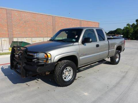 2003 GMC Sierra 2500HD for sale at Universal Credit in Houston TX