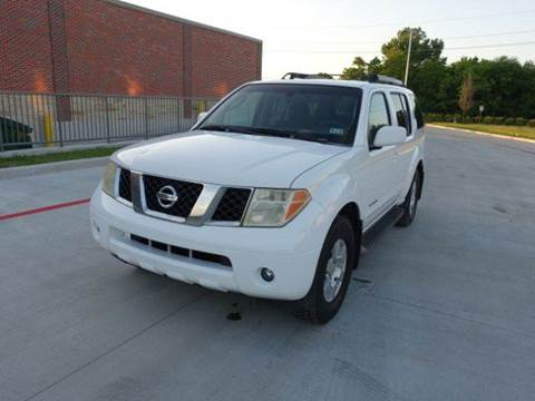 2005 Nissan Pathfinder for sale at Universal Credit in Houston TX
