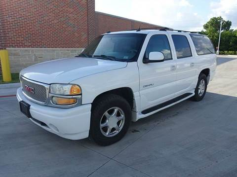 2004 GMC Yukon XL for sale at Universal Credit in Houston TX