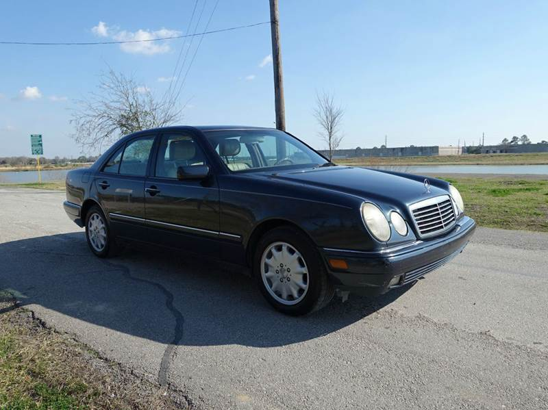1997 Mercedes-Benz E-Class for sale at Universal Credit in Houston TX