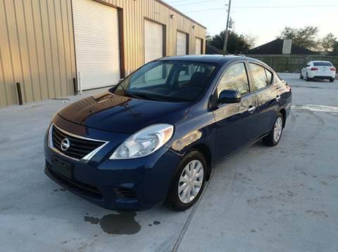 2012 Nissan Versa for sale at Universal Credit in Houston TX