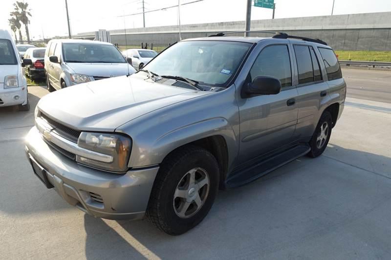 2006 Chevrolet TrailBlazer for sale at Universal Credit in Houston TX