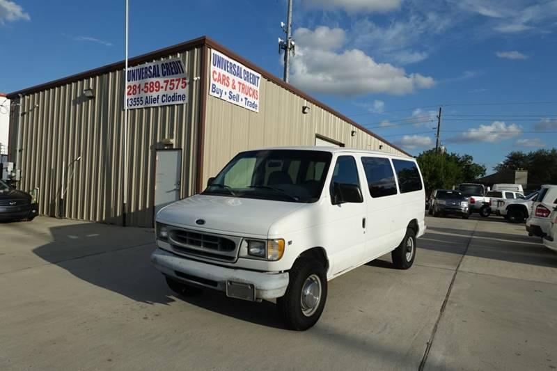 1998 Ford E-350 3dr XL Club Wagon Passenger Van In Houston