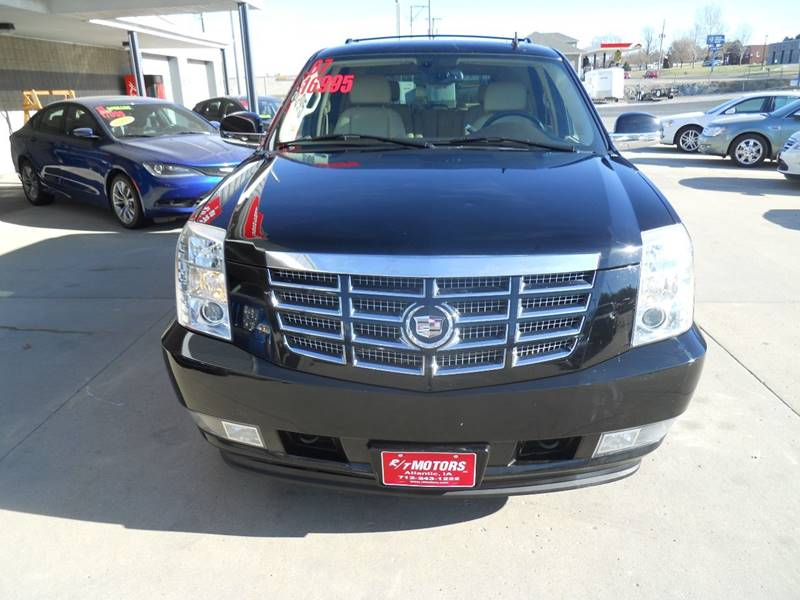 in park cadillac stream new car available square floral elmont franklin nassau valley york ny north triple used for escalade awd sale