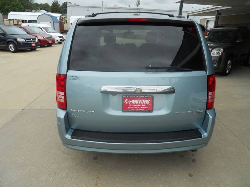 2010 chrysler town and country touring plus manual