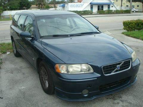 2005 Volvo V70 for sale at AUTO & GENERAL INC in Fort Lauderdale FL