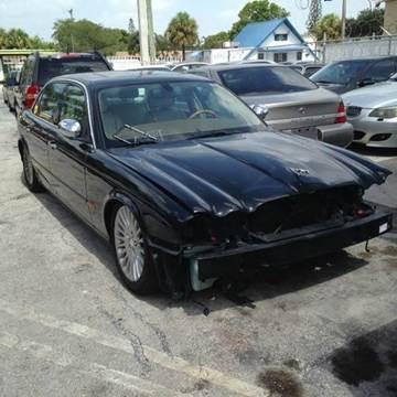 2005 Jaguar XJ-Series for sale at AUTO & GENERAL INC in Fort Lauderdale FL