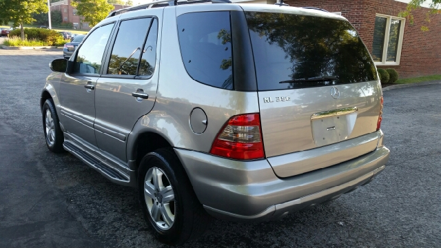 2005 Mercedes-Benz M-Class ML350 AWD 4MATIC 4dr SUV In
