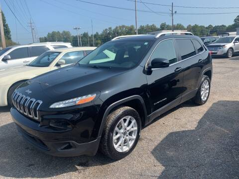 2017 Jeep Cherokee for sale at Safeway Auto Sales in Horn Lake MS