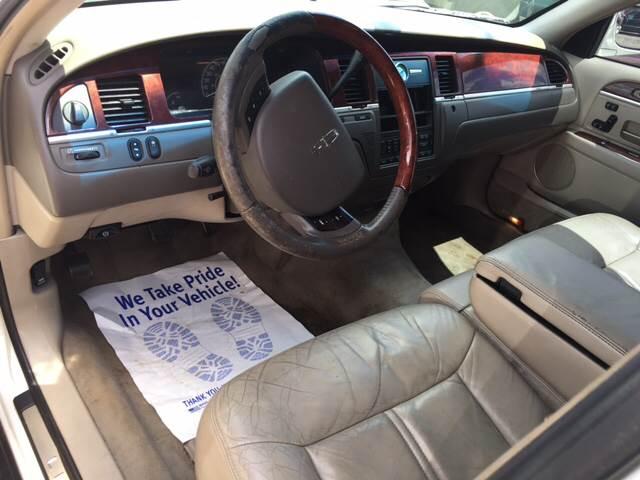 2005 Lincoln Town Car Signature Limited 4dr Sedan - Beaumont TX