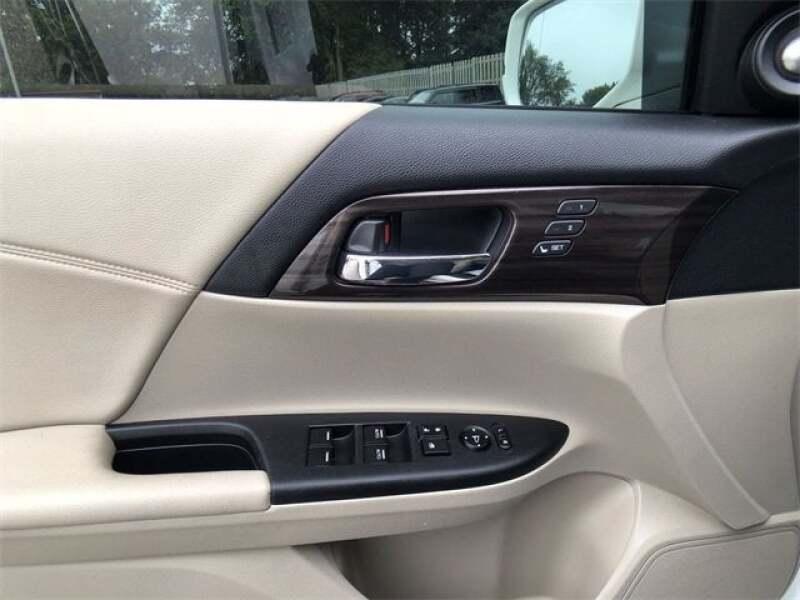 2016 Honda Accord Touring 4dr Sedan - North Olmsted OH