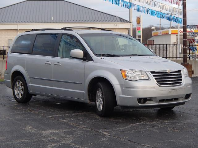 2009 Chrysler Town and Country Touring Mini-Van 4dr - Greenville IL