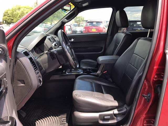 2010 Ford Escape for sale at Giovannis Auto in Peru IL