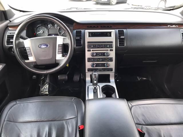 2009 Ford Flex for sale at Giovannis Auto in Peru IL