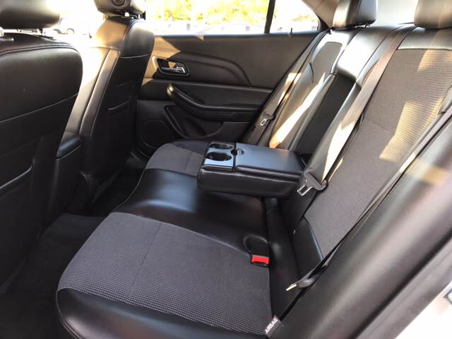 2015 Chevrolet Malibu for sale at Giovannis Auto in Peru IL