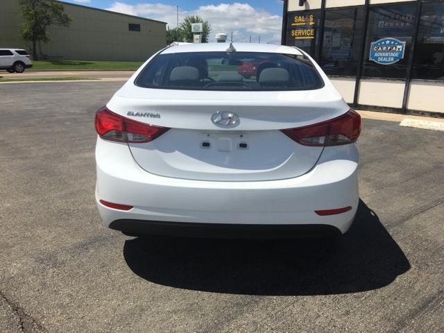2016 Hyundai Elantra for sale at Giovannis Auto in Peru IL
