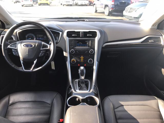 2016 Ford Fusion for sale at Giovannis Auto in Peru IL