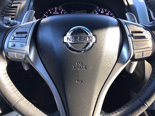 2015 Nissan Altima for sale at Giovannis Auto in Peru IL