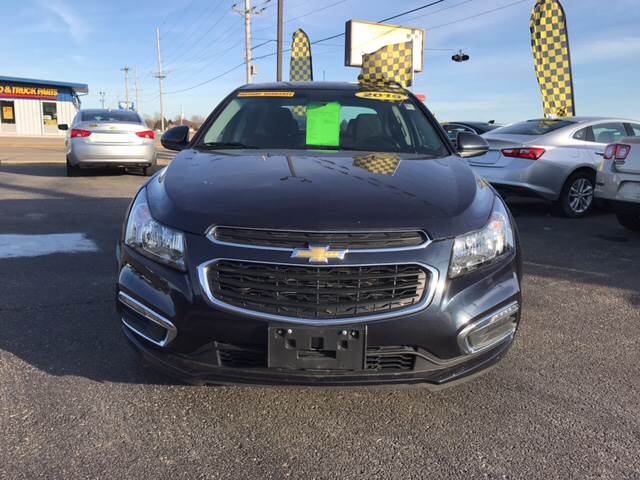 2016 Chevrolet Cruze Limited for sale at Giovannis Auto in Peru IL