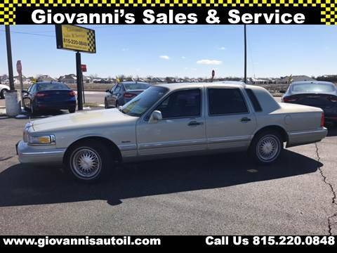 1997 Lincoln Town Car for sale at Giovannis Auto in Peru IL